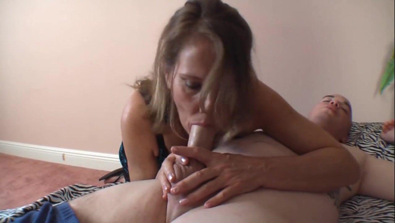 Порно Видео Молодые Парни Зрелыми