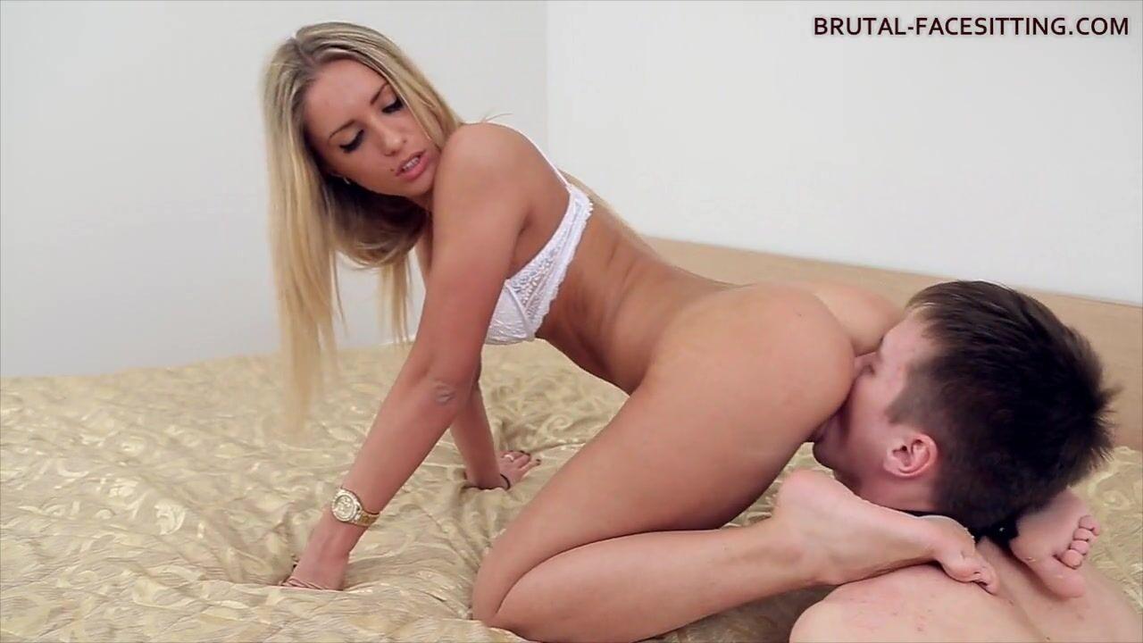Порно Лизать У Блондинки